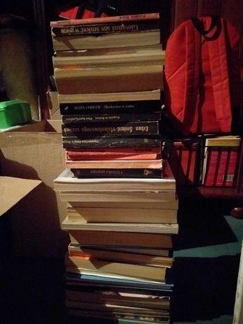 Książki, stare książki, różne tytuły