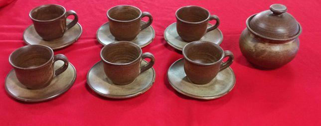 Chávenas de café em cerâmica de grés