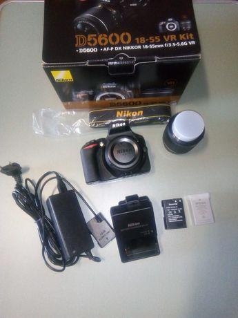 Nikon D5600 + Nikon 18-55mm f/3.5-5.6