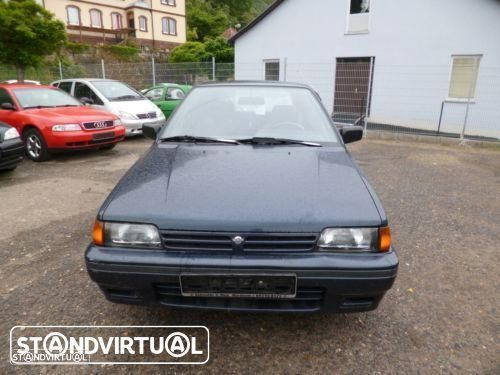 Nissan Sunny de 1992 para peças