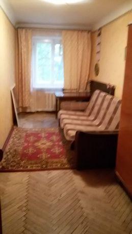 Сдается в долгосрочную аренду,комната в трехкомнатной квартире .