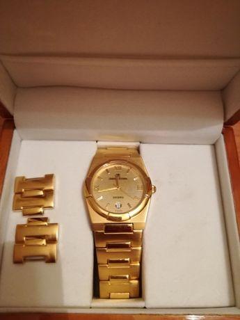 Relógio dourado Jaques Richal