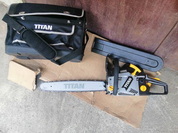 Бензопили з Англії TITAN TTL760CHN(2.1кв/50кубіків)