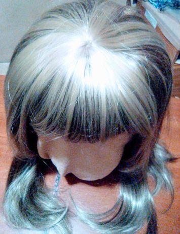 Продам парик русый с мелированием