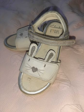 Sandałki dziewczęce clarks
