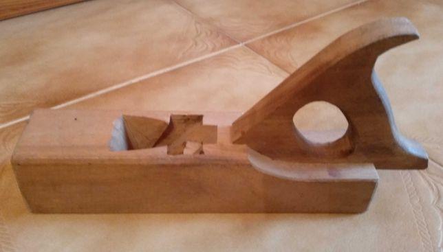 Estrutura de madeira de Plaina antiga de carpinteiro