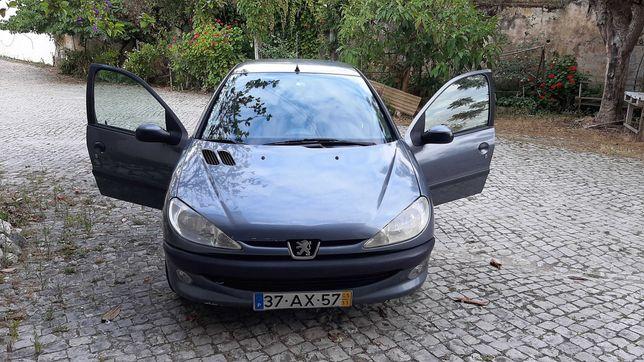 Peugeot 206, procura novo dono