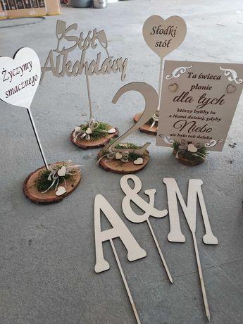 Dekoracje ślubne weselne numerki na stoły sklejka styl rustykalny