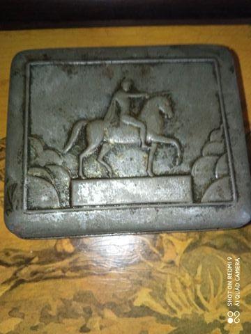 Przedwojenna szkatuła. J.Poniatowski