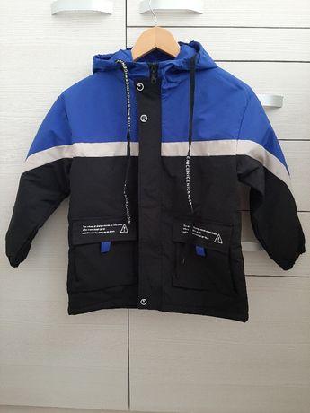 Куртка ветровка на теплую осень на рост 150 и 140
