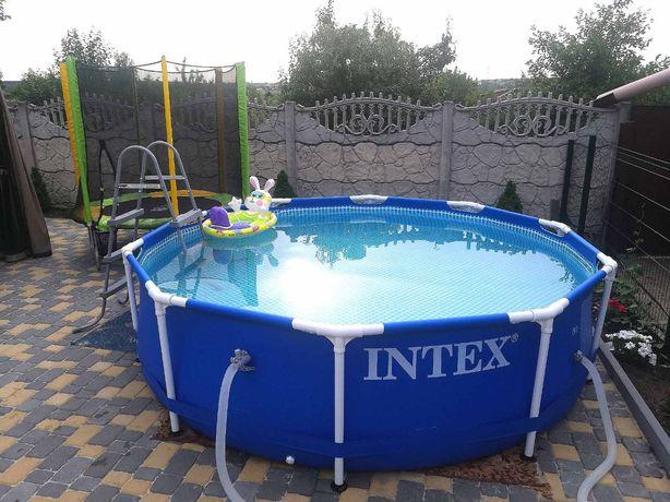 Бассейн новый Интекс