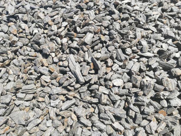 Kora kamienna grys szary pasiasty kamień naturalny dostawa + głaz