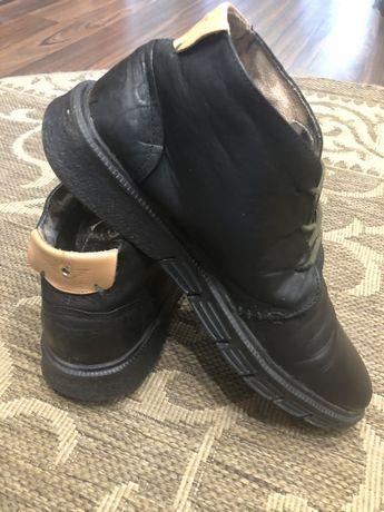 Демисезонные демисезонні весняні весенние шкіряні ботинки Nobrand