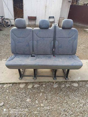 Сидіння диван віваро трафік