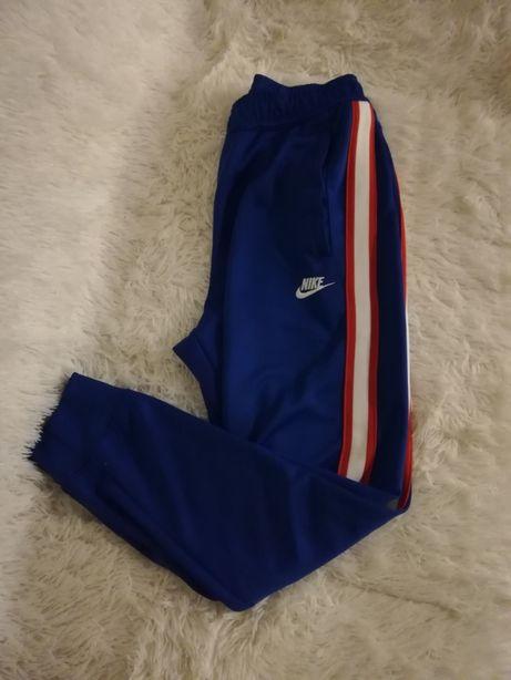 spodnie NIKE M 38, spodnie NIKE 36/38 s/m/l niebieskie, dresy NIKE M 3