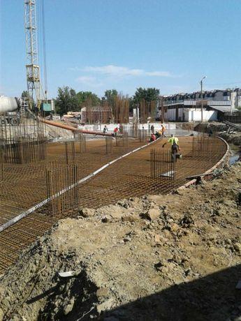 Бетононасос, бетон, міксер. Подача бетону на відстань та у висоту.
