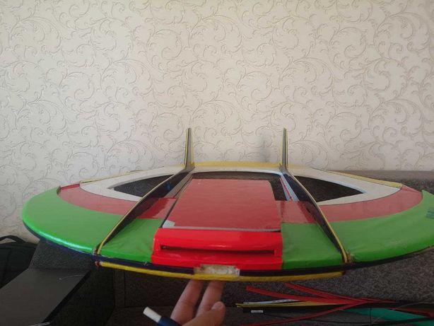 Летающая тарелка летающее крыло самолёт из бальсы