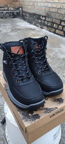 Новые зимние ботинки .