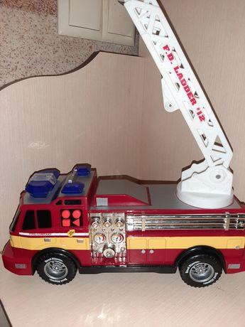 Пожарная машина от Toy Factory
