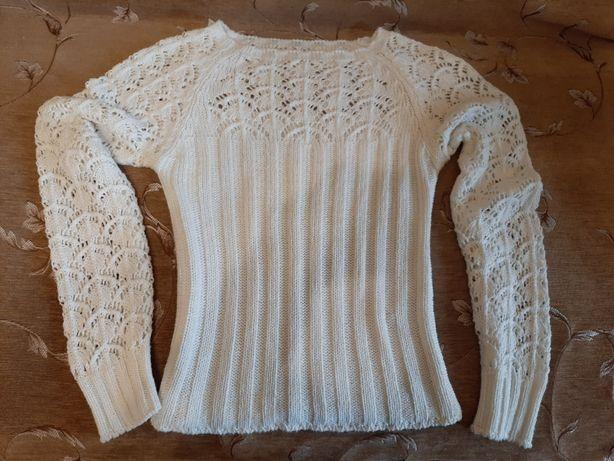 Продам вязаный лёгкий свитер