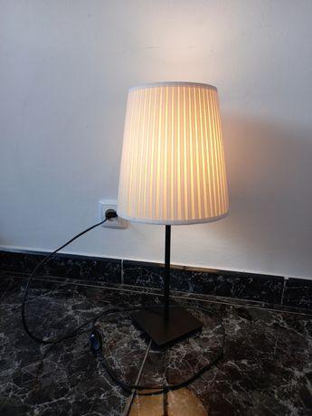 Candeeiro de mesa IKEA + lâmpada LED