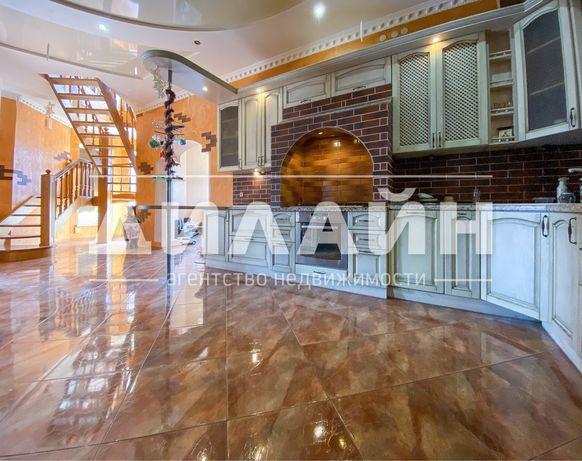 Дом с бассейном на п. Солнечном -400 м2 , 4 спальни , 3 с/у