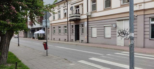 Sprzedam Lokal Użytkowy/Mieszkanie 35m2 ul.Wyszyńskiego 7 do Remontu