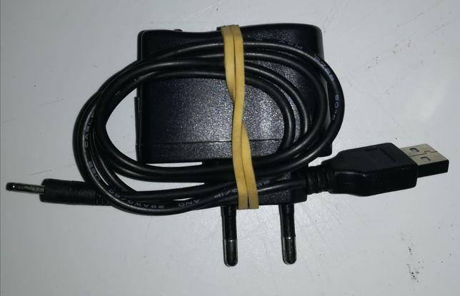 Carregador adaptador com cabo de carga com entrada de pine fino