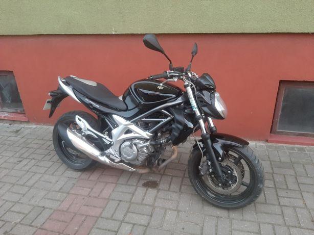 Suzuki SFV 650 gladius sv bandit