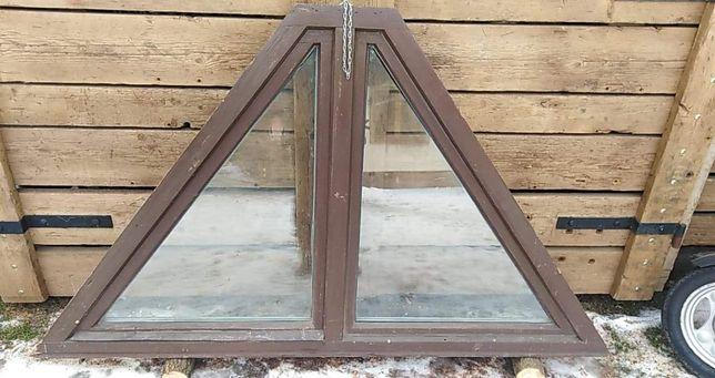Okno drewniane trójkątne