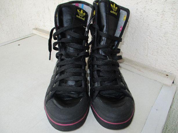 Шикарные кожаные ботиночки Adidas