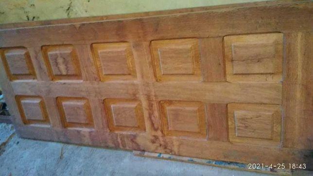 Продам дверной дубовый (2 двери с коробкой)