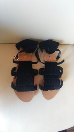 Sandały zamsz frędzle boho czarne beż open toe paski 38