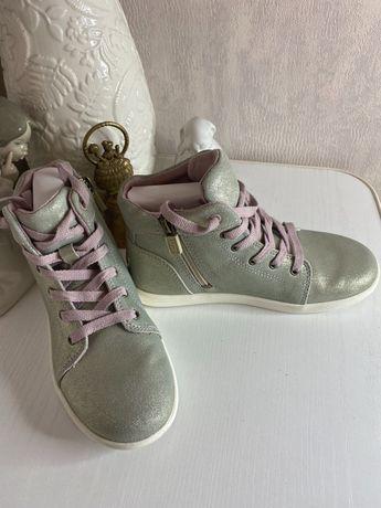 UGG ботинки оригинал
