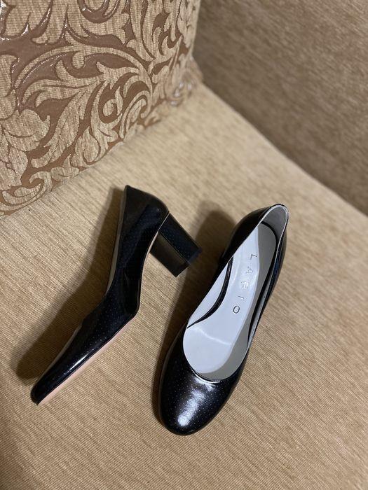 Женская обувь 37,5-38 р Макеевка - изображение 1