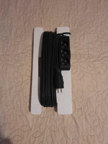 Компактный, удобный в использовании, удлинитель-переноска.