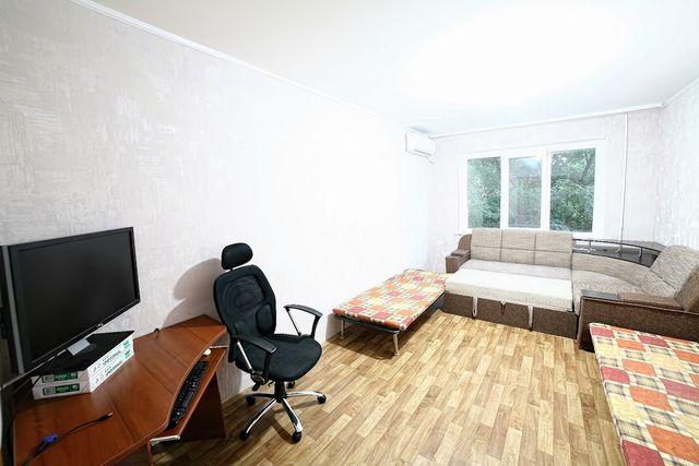 Сдам 4-х комнатную квартиру в Южном. От месяца и до лета. Долгосрочно.