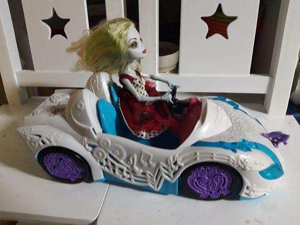 Samochód Monster High + lalka