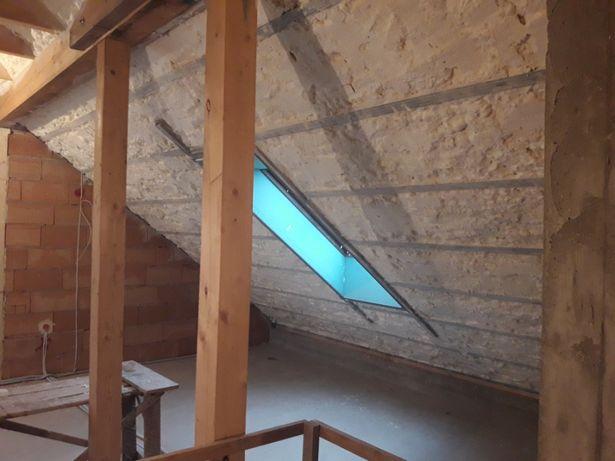 Ocieplenia pianką Izolacja stropów dachów poddaszy pianką