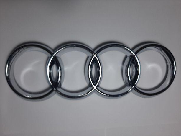 Audi Simbolo da grelha frontal e traseiro