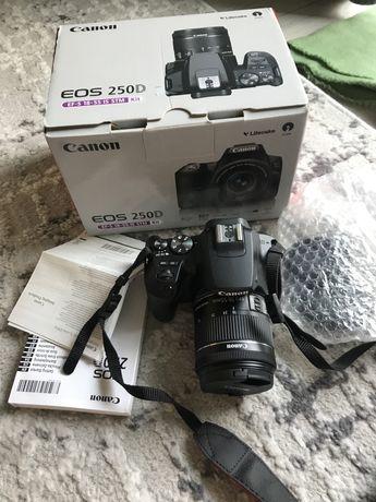 Canon 250D EOS aparat lustrzanka obiektyw zestaw