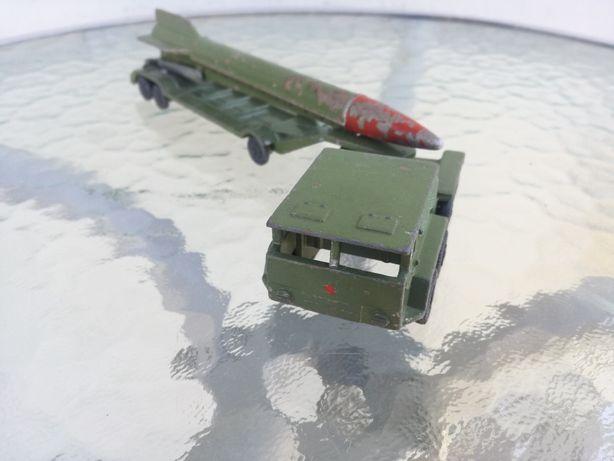 Transporter z rakietą zsrr lata 80 te