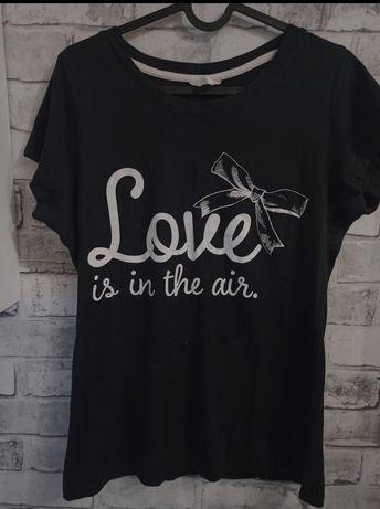 Bluzka z napisem love