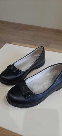 Туфли черные 30р.