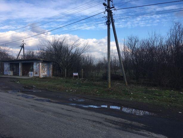 Продається земельна ділянка при центральній дорозі, с.Тарнівці.
