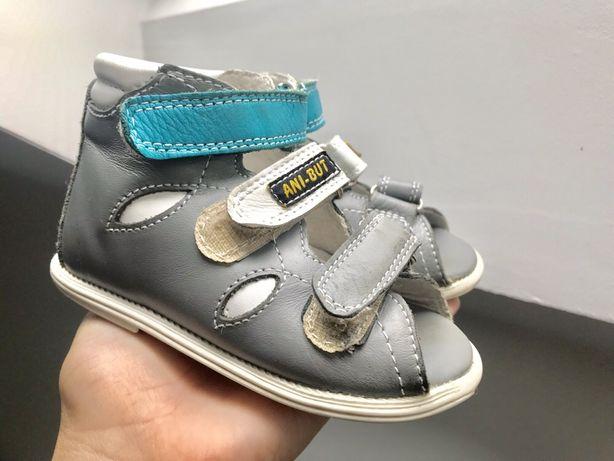 Buciki sandały dziecięce pantofle profilaktyczne Ani-But skórzane 21