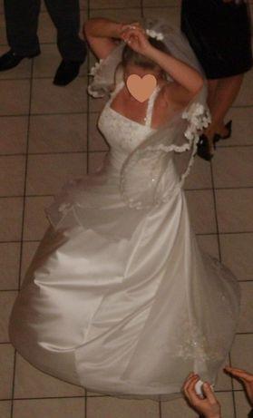 Suknia ślubna Kamea z welonem. R.38-42