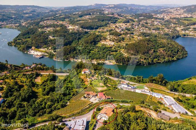 Moradia T4 c/ Vistas indescritíveis p/ rio Douro e montanha | Área con