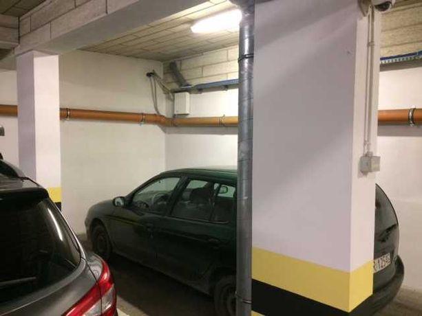 wynajmę garaż Ruczaj ul Raciborska/Bobrzyńskiego pod sklepem Pepco