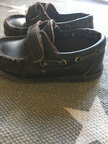 Sapatos rapaz 24